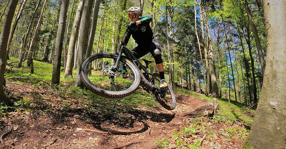 Davir Ivartnik, Golovec trails team